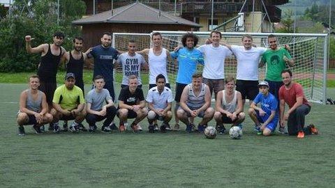 Gruppenfoto einer Fußballmannschaft