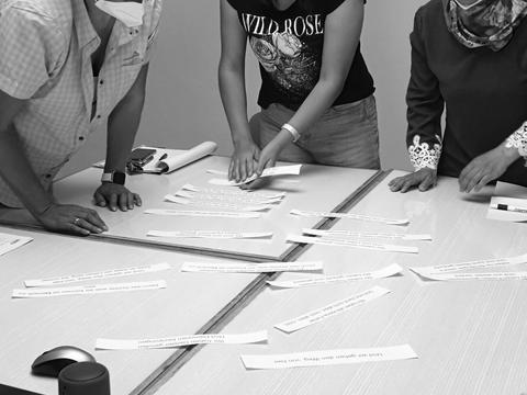 Frauen in einem Workshop